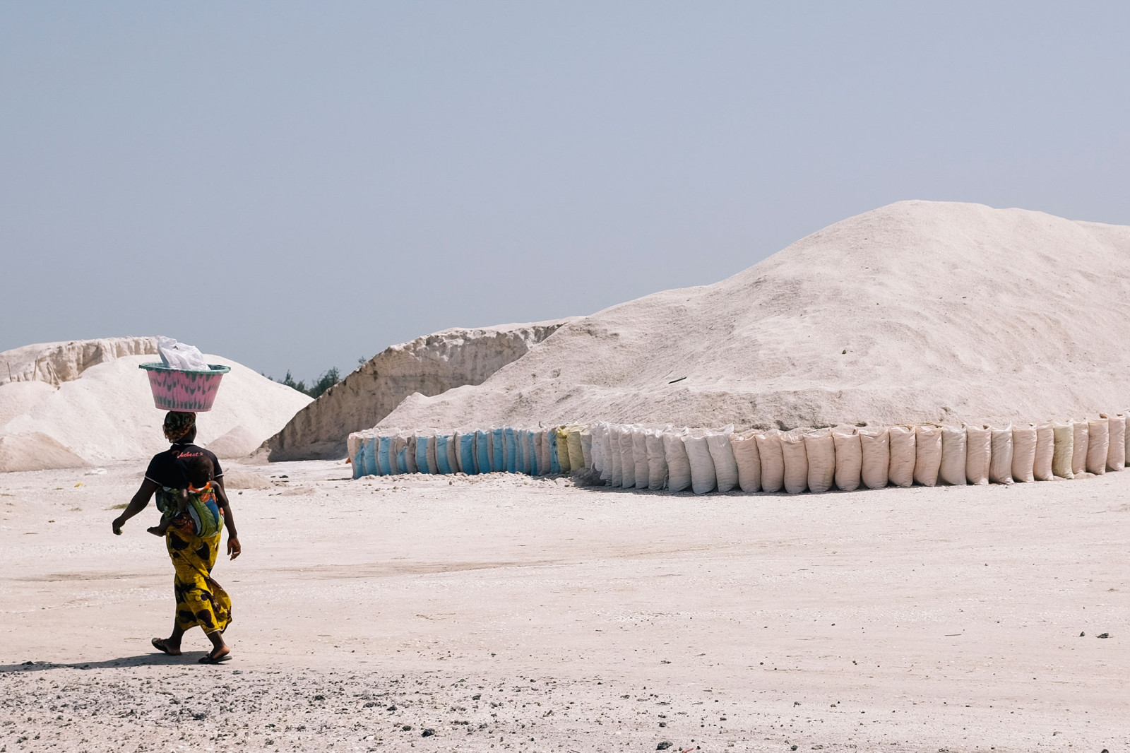 hills like white elephants the senegalese salt gatherers of lac by moresleep