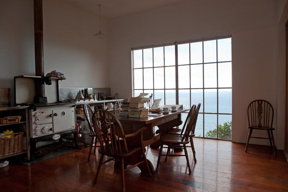 Freunde von Freunden — Judy Millar — Artist, Home & Studio, Waitakere, Auckland — http://www.freundevonfreunden.com/interviews/judy-millar/