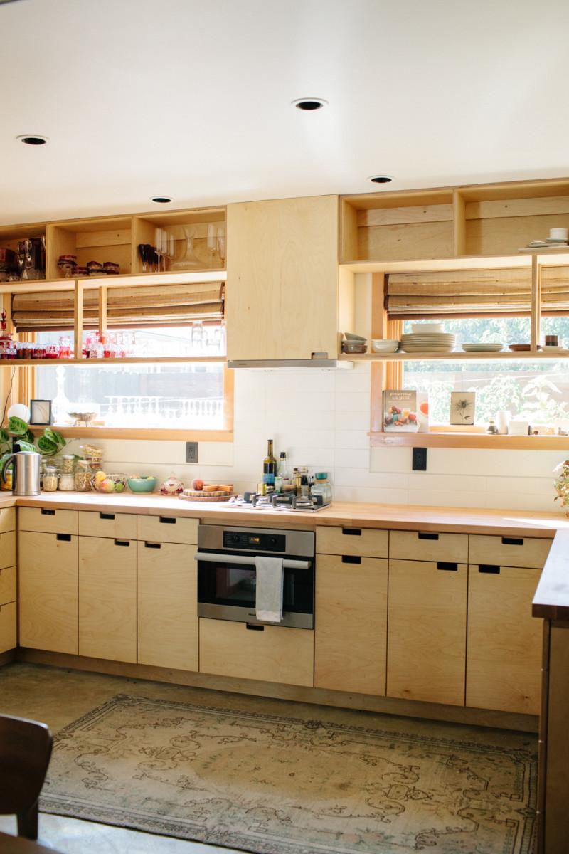 Shannon baird freunde von freunden for Birch veneer kitchen cabinets