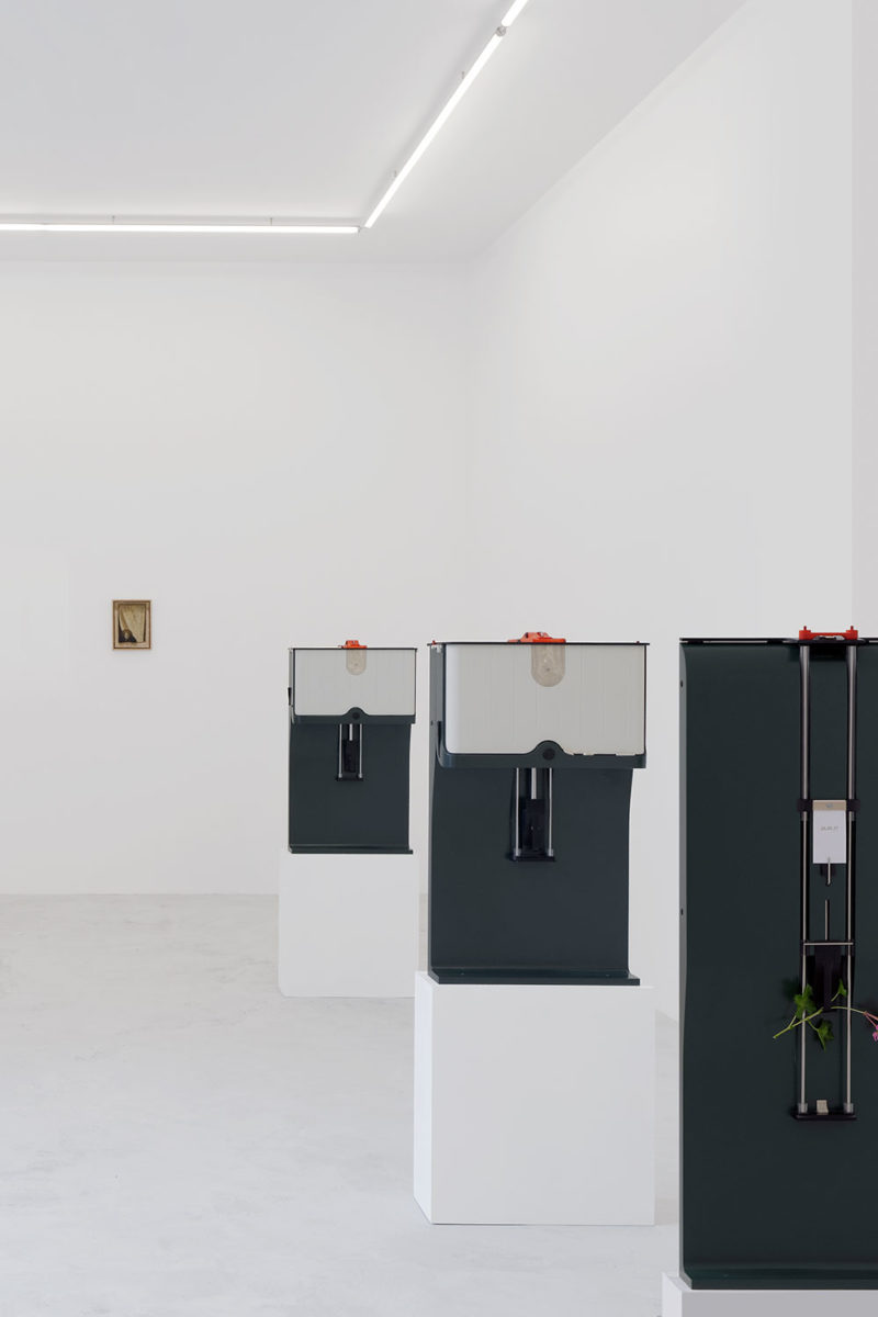 (EN) Camille Blatrix. On your knees, (exhibition view),2017. Balice Hertling Gallery, Paris. Courtesy of the artist and Balice Hertling, Paris.