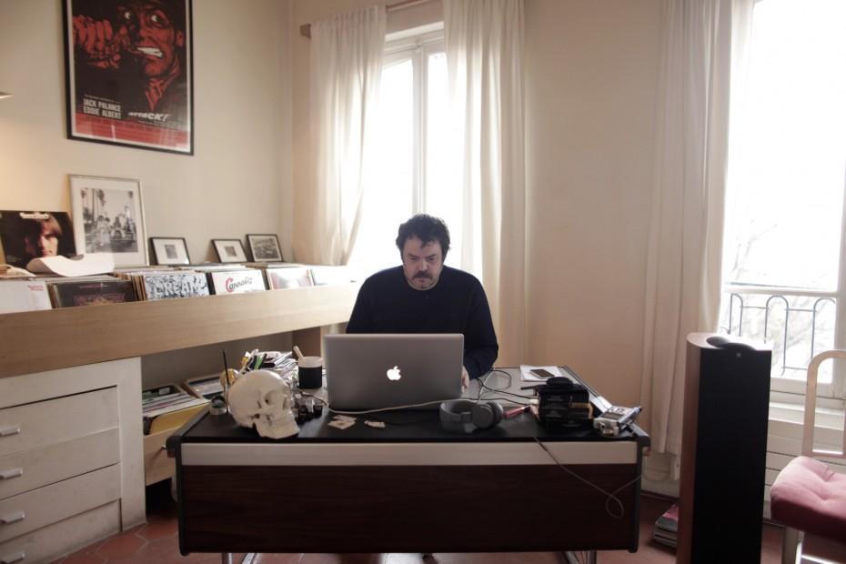 Freunde von Freunden — (English) Alexandre Courtès — Music video director, Apartment, Montmartre, Paris — http://www.freundevonfreunden.com/fr/interviews/alexandre-courtes/