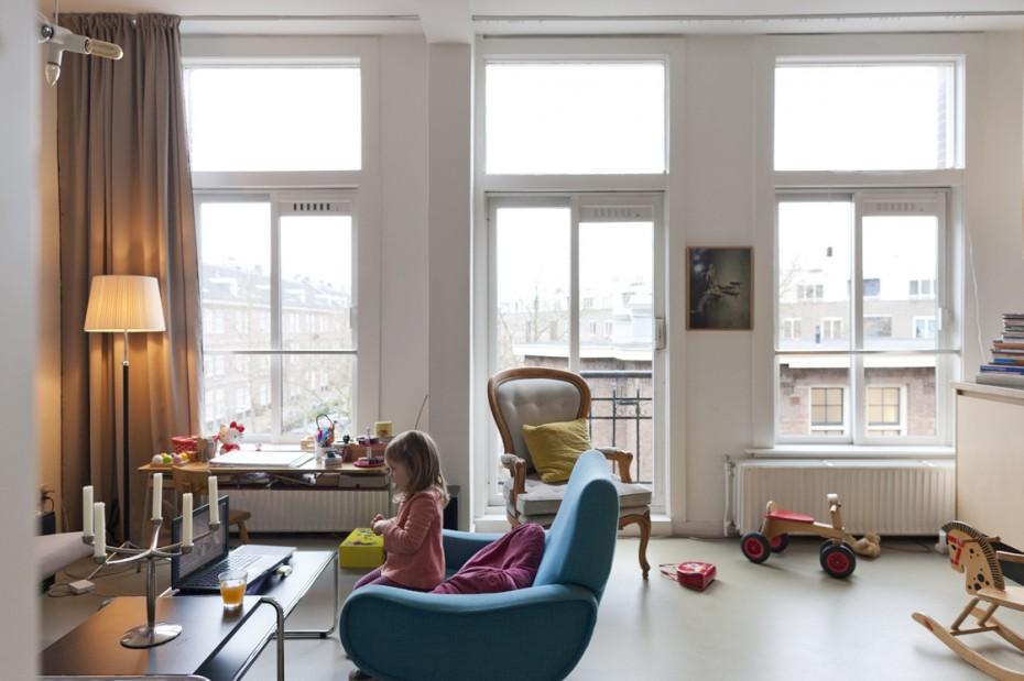 Freunde von Freunden — Amie Dicke — Artist, Apartment & Studio, Amsterdam Oud-Zuid and Centrum, Amsterdam — http://www.freundevonfreunden.com/nl/interviews/amie-dicke/