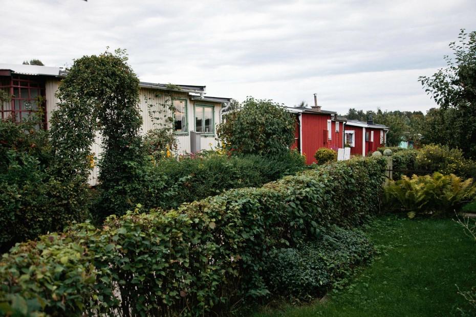 Freunde von Freunden — Anna Eriksson & Johan Rennermalm — Journalist, Cottage, Skogskyrkogården, Stockholm — http://www.freundevonfreunden.com/interviews/anna-eriksson-johan-rennermalm/