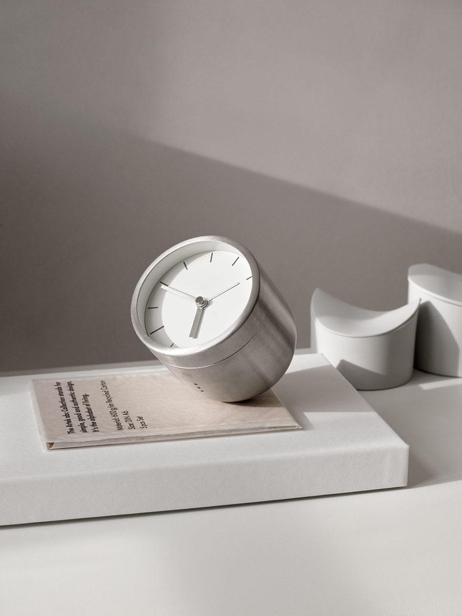 Tumbler Alarm Clock for Menu