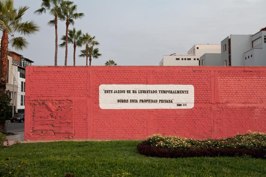 Freunde von Freunden — Bernat Sobrebals & Juan Diego Tobalina — Artist & Stylist, Apartment & Neighborhood, Barranco, Lima — http://www.freundevonfreunden.com/interviews/bernat-sobrebals-juan-diego-tobalina/