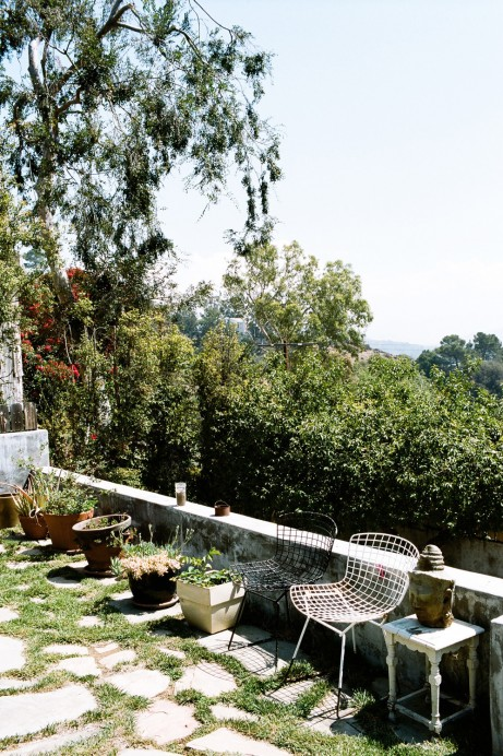 Freunde von Freunden — Coryander Friend — Set Designer, Apartment & Antique Shop, Laurel Canyon, Los Angeles — http://www.freundevonfreunden.com/interviews/coryander-friend/
