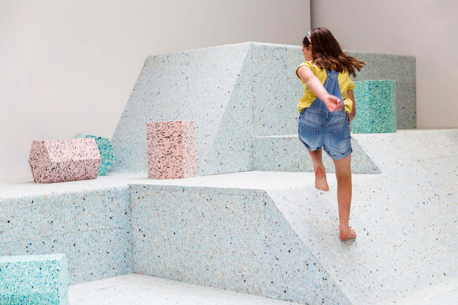 (EN) The Brutalist Playground, 2015: Assemble worked in collaboration with artist Simon Terrill to design an immersive installation that recreated a trio of post-war play structures out of foam.