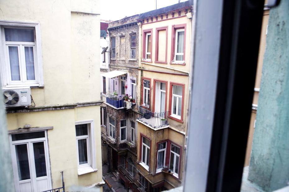 Freunde von Freunden — Erol Eskici — Artist, Apartment & Neighborhood, Tepebaşı, Istanbul — http://www.freundevonfreunden.com/interviews/erol-eskici/