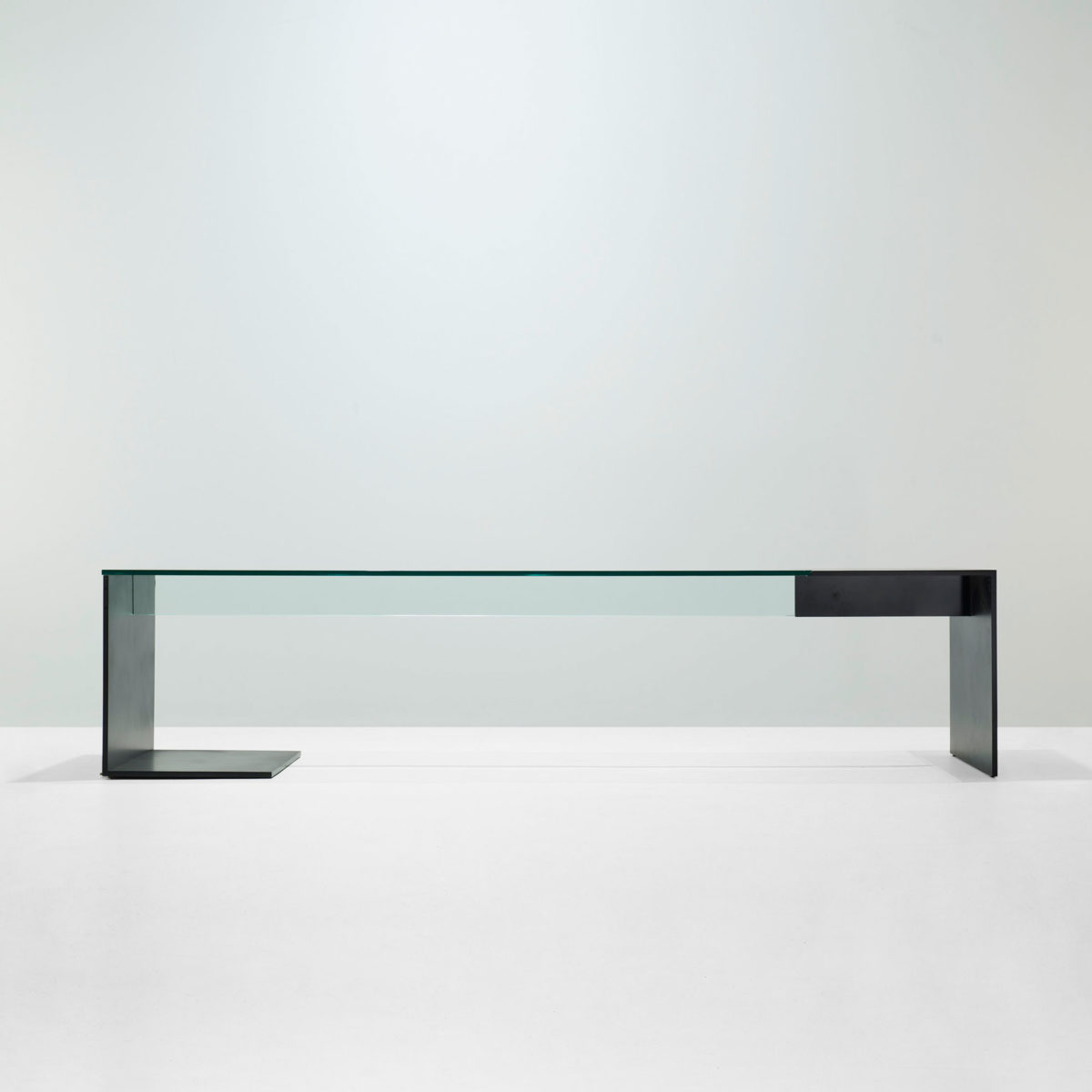 Unir Table, Photo: Wright Auction