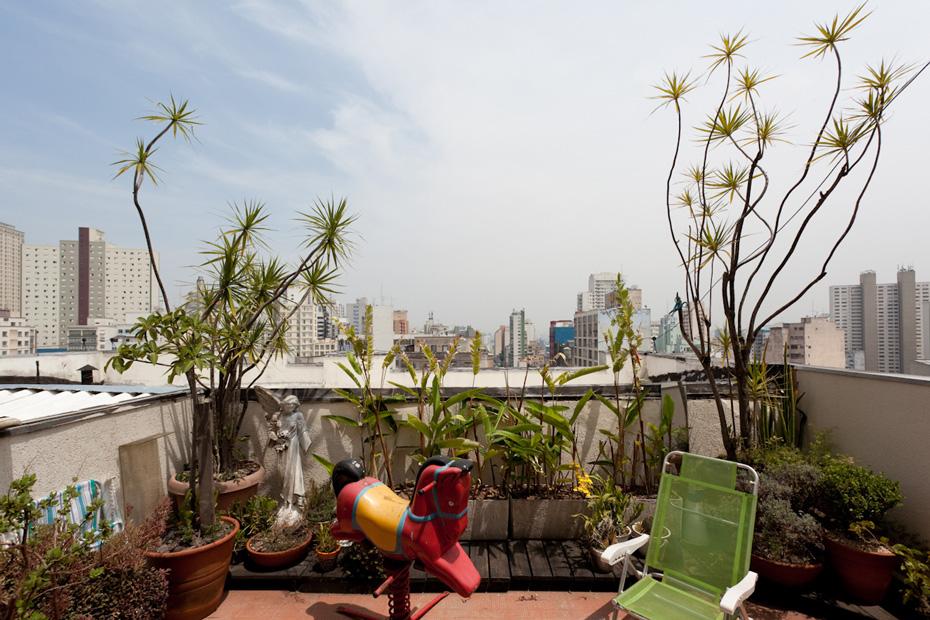 Freunde von Freunden — Felipe Morozini — Artist, Apartment, São Paulo — http://www.freundevonfreunden.com/interviews/felipe-morozini/