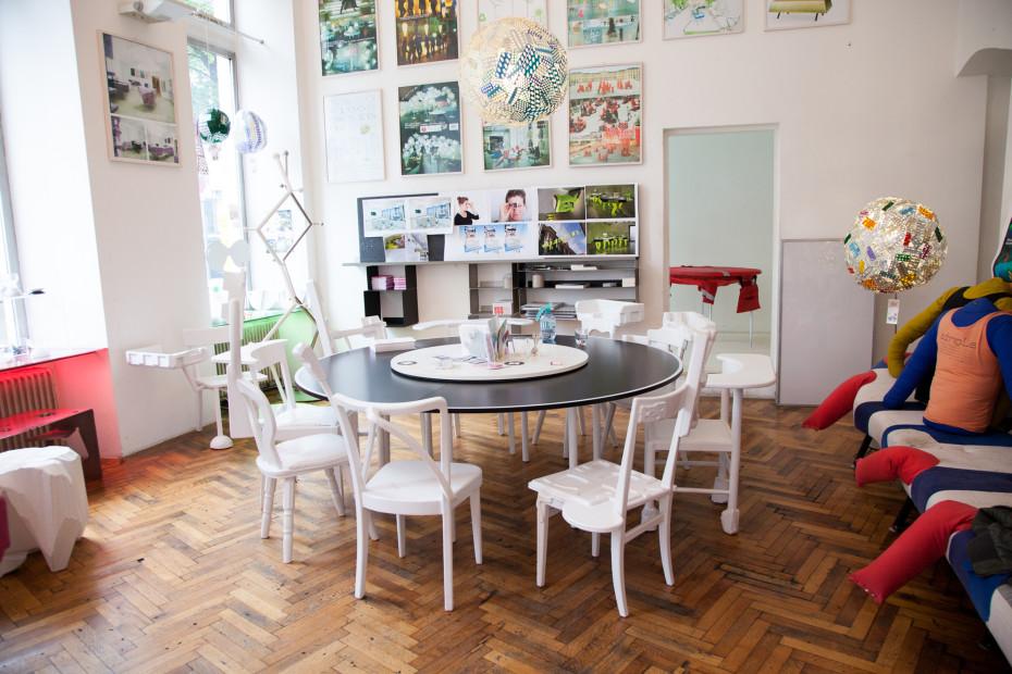 Fidel peugeot karl emilio pircher freunde von freunden for Walking chair design studio vienna
