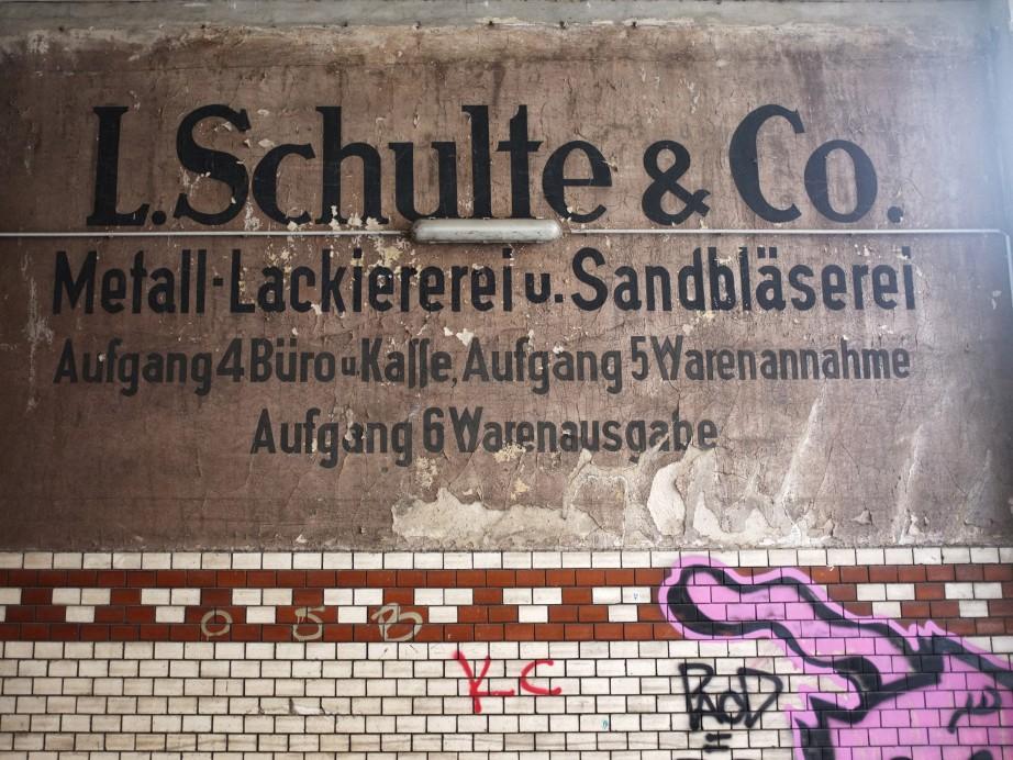Freunde von Freunden — Friedrich Gobbesso — Artist, Apartment, Wedding, Berlin — http://www.freundevonfreunden.com/de/interviews/friedrich-gobbesso/