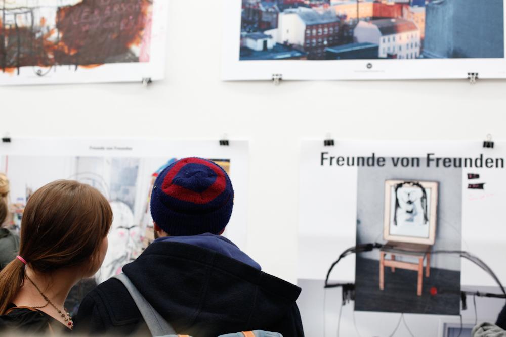 freunde von freunden berlin sibylle oellerich freunde von freunden nike all court mid size. Black Bedroom Furniture Sets. Home Design Ideas