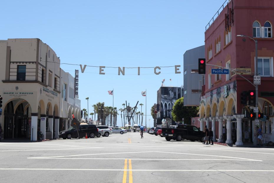 Freunde_von_Freunden_Venice_Beach_Claire_Cottrell_IMG_2557