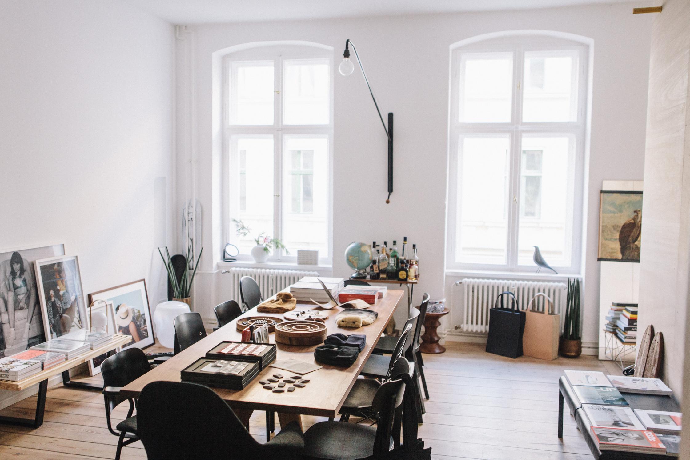 freunde von freunden pop up shop 021 freunde von freunden. Black Bedroom Furniture Sets. Home Design Ideas