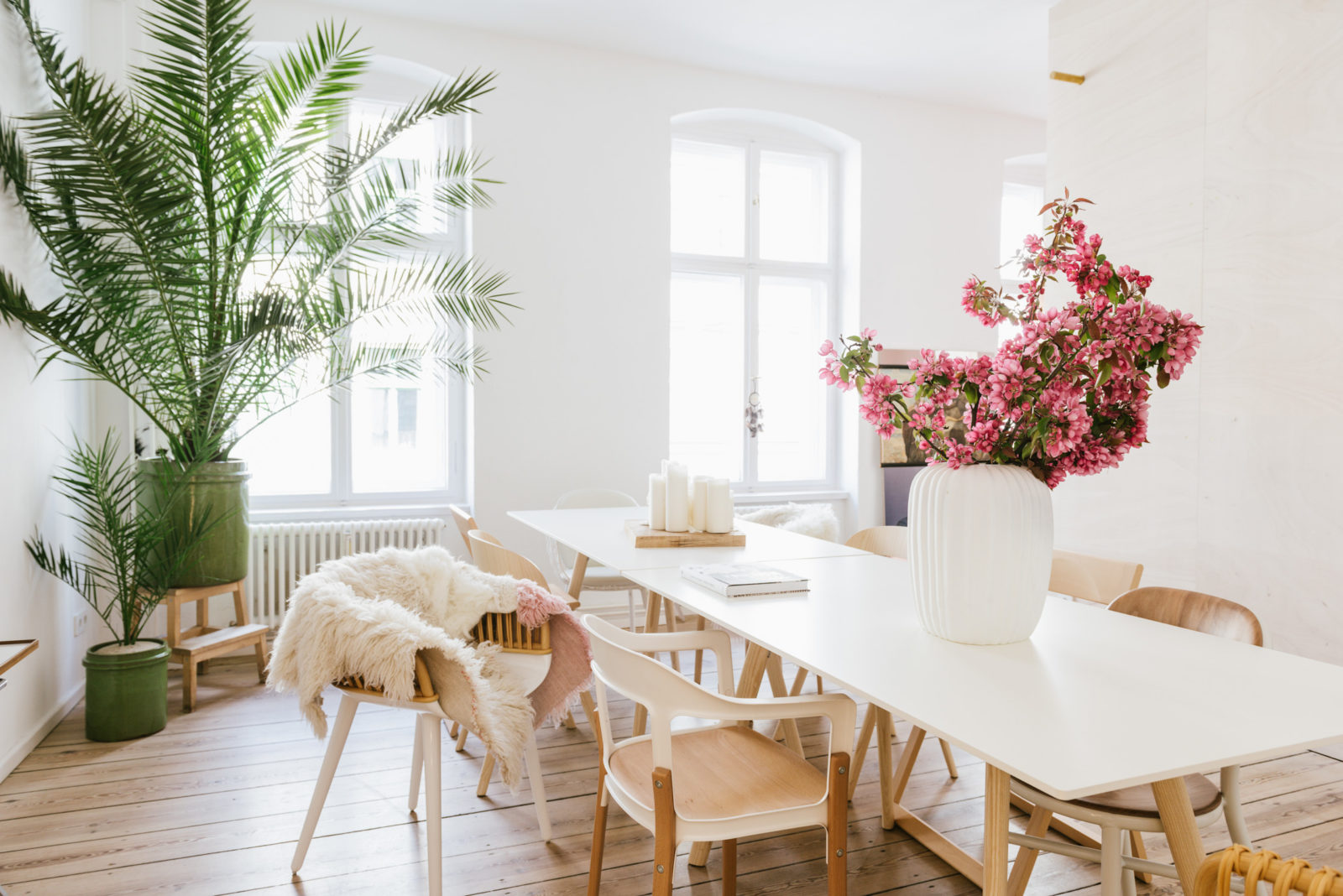 about freunde von freunden. Black Bedroom Furniture Sets. Home Design Ideas