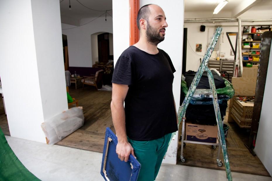 Freunde von Freunden — Hugo Canoilas — Artist, Studio, Vienna — http://www.freundevonfreunden.com/interviews/hugo-canoilas/