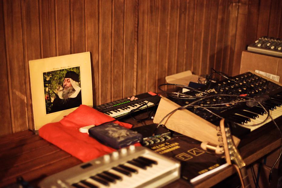 Freunde von Freunden — Hugo Capablanca — DJ and Concept Artist, Studio, Berlin-Wedding — http://www.freundevonfreunden.com/interviews/hugo-capablanca/