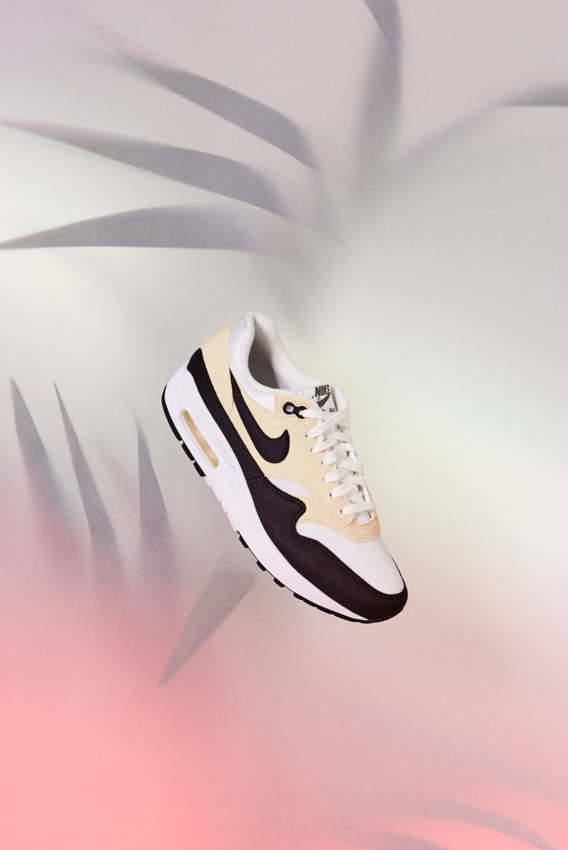 Art direction and prop styling for the Nike Air Max 1 day releases in 2018 for which everything was done by hand aside from removing the hanging mechanism.