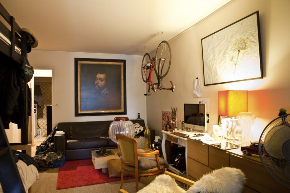 Freunde von Freunden — Jeremy Maxwell Wintrebert — Glassblower, Apartment, 17ième arrondissement, Paris — http://www.freundevonfreunden.com/fr/interviews/jeremy-maxwell-wintrebert/