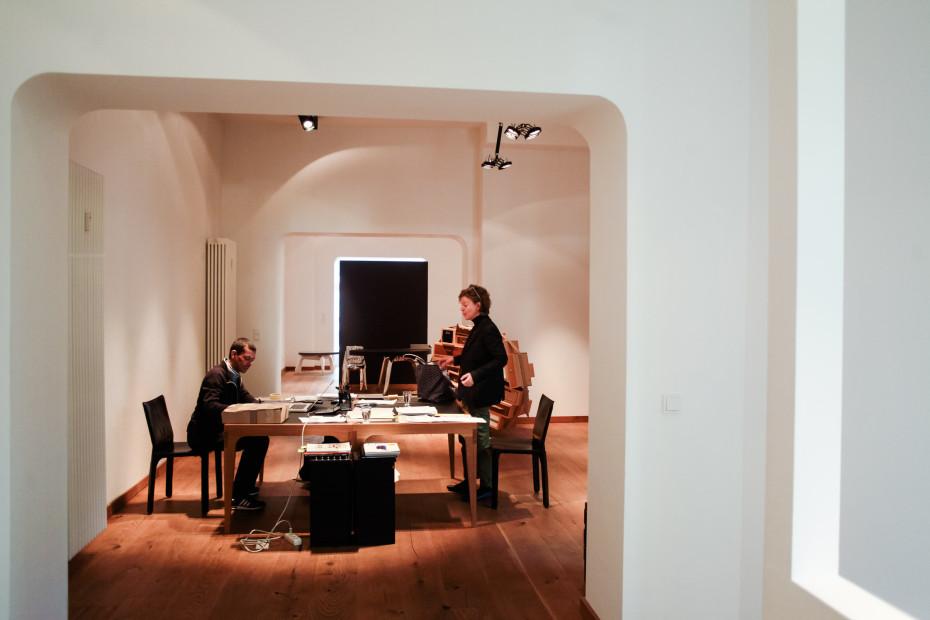 Freunde von Freunden — Karena Schuessler — Design Art Gallerist, Apartment & Gallery, Charlottenburg & Wilmersdorf, Berlin — http://www.freundevonfreunden.com/interviews/karena-schuessler/