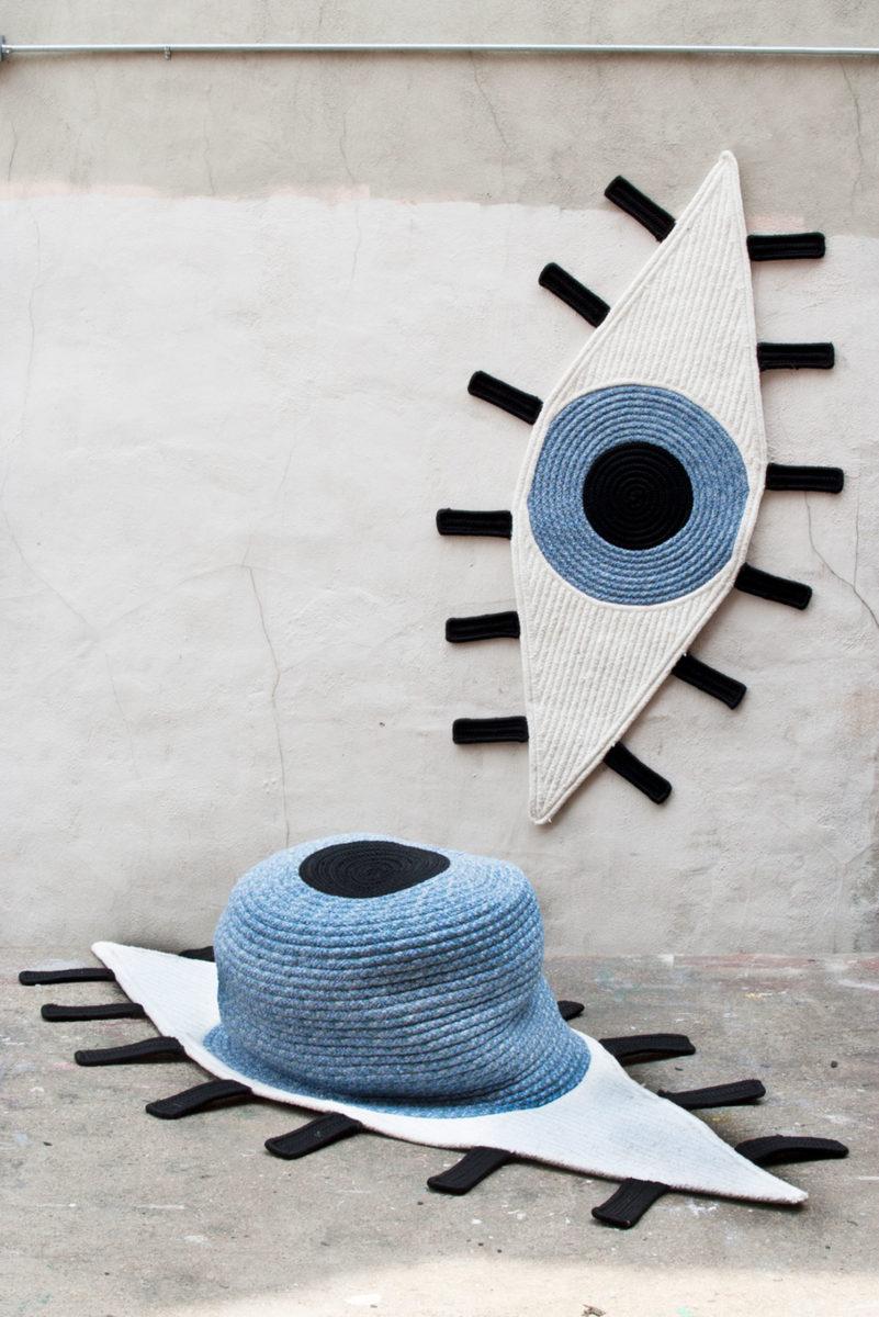 (EN) Eye-shaped rug
