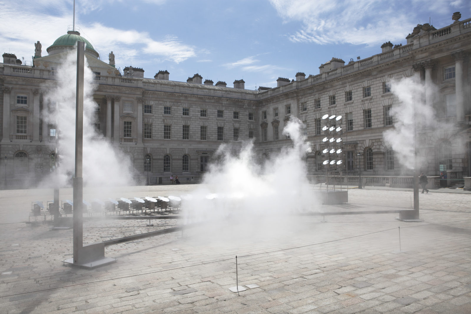 "(EN) ""Halo"" (2018) – Somerset House Edmond J. Safra Fountain Court, London, England"