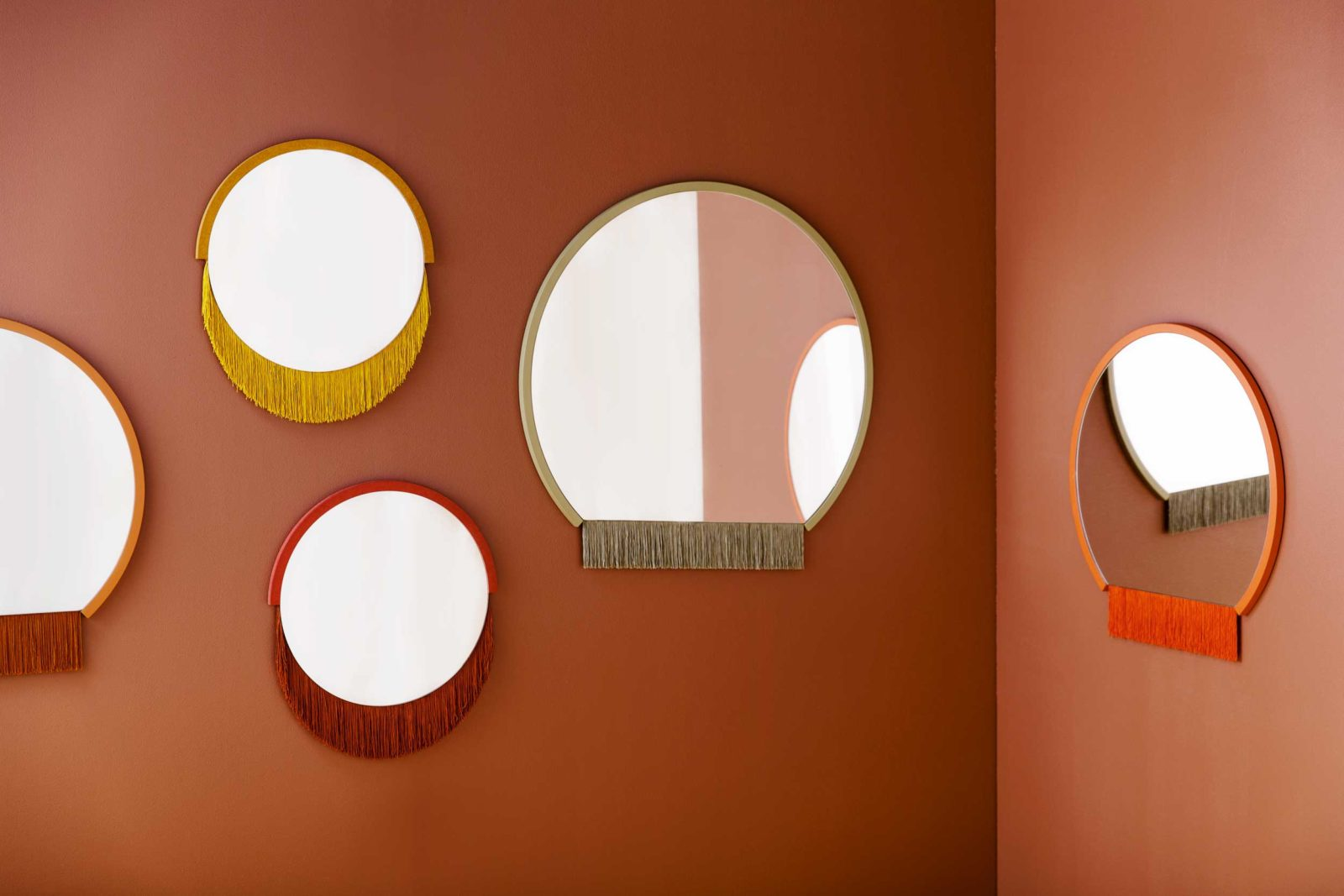 (EN) Boudoir Mirrors, 2018.