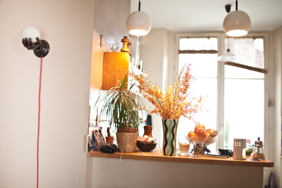 Freunde von Freunden — Leslie David — Graphic designer and illustrator, Apartment & Studio, 9ème Arrondissement, Paris — http://www.freundevonfreunden.com/fr/interviews/leslie-david/