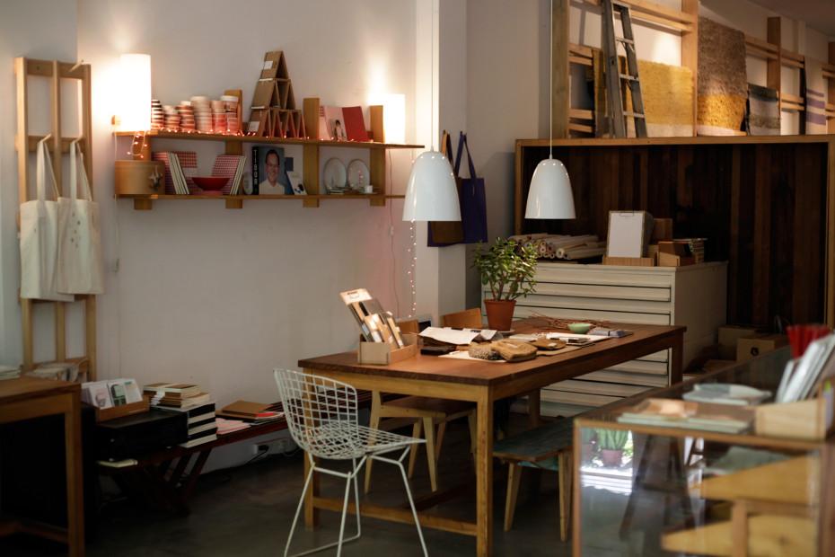 Freunde von Freunden — Mercedes Hernáez & Alejandro Sticotti — Graphic Designer & Architect, House & Studio, Olivos & Palermo, Buenos Aires — http://www.freundevonfreunden.com/es/interviews/mercedes-hernaez-alejandro-sticotti/
