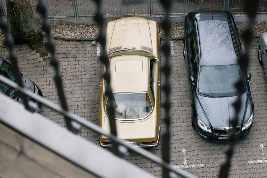 Freunde von Freunden — Nada Lottermann — Photographer & Stylist, Apartment & Neighborhood, Westend, Frankfurt — http://www.freundevonfreunden.com/interviews/nada-lottermann/