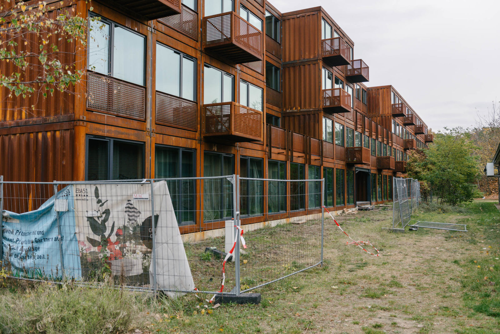 Häuser Aus Containern the poetics of smaller spaces architect oke hauser on the future of