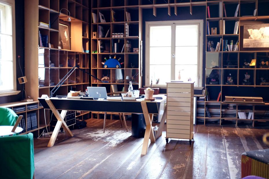 nils holger moormann freunde von freunden. Black Bedroom Furniture Sets. Home Design Ideas