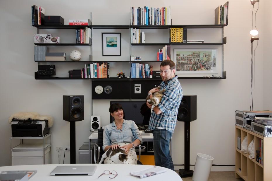 Freunde von Freunden — Rob Fissmer and Elise Loehnen — Editor and Planner, Apartment, Venice, Los Angeles — http://www.freundevonfreunden.com/interviews/rob-fissmer-and-elise-loehnen/