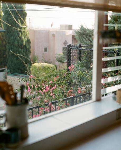Freunde von Freunden — Tracy Wilkinson — Design Consultant, Apartment, Mount Washington, Los Angeles — http://www.freundevonfreunden.com/interviews/tracy-wilkinson/