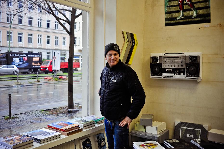 Freunde von Freunden — Urban Gallery Store No. 2 — Arun Markus und Fabian Johow, UNDPLUS, Berlin-Mitte — http://www.freundevonfreunden.com/interviews/urban-gallery-store-no-2/