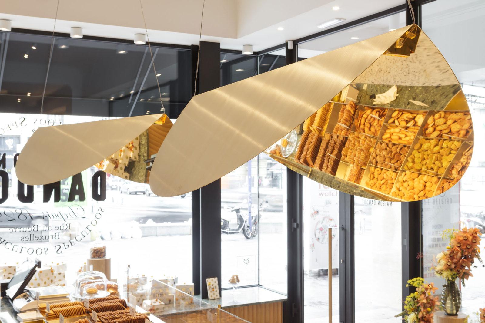 Brass 'Ellipse' pendant light for DANDOY shop in Brussels - 2015
