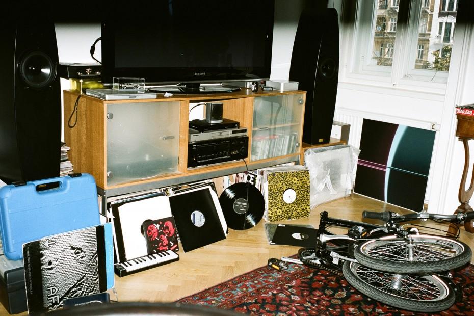 Freunde von Freunden — Wolfram Eckert — Musician and DJ, Apartment, Freihausviertel, Vienna — http://www.freundevonfreunden.com/interviews/wolfram-eckert/