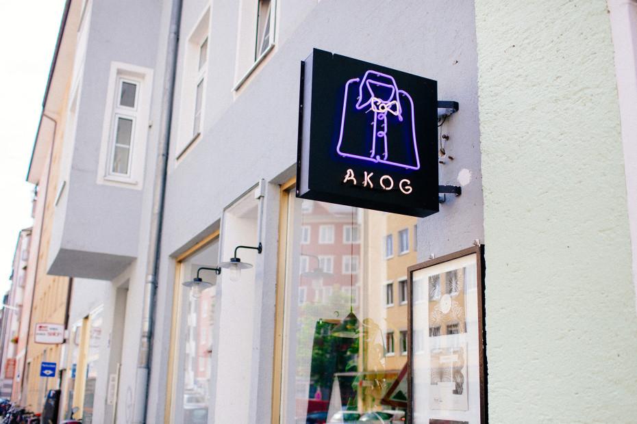 Freunde von Freunden — Yasar Ceviker & Susi Streich — Fashion Designer, Apartment & Studio, Neuhausen, Munich — http://www.freundevonfreunden.com/interviews/yasar-ceviker-susi-streich/