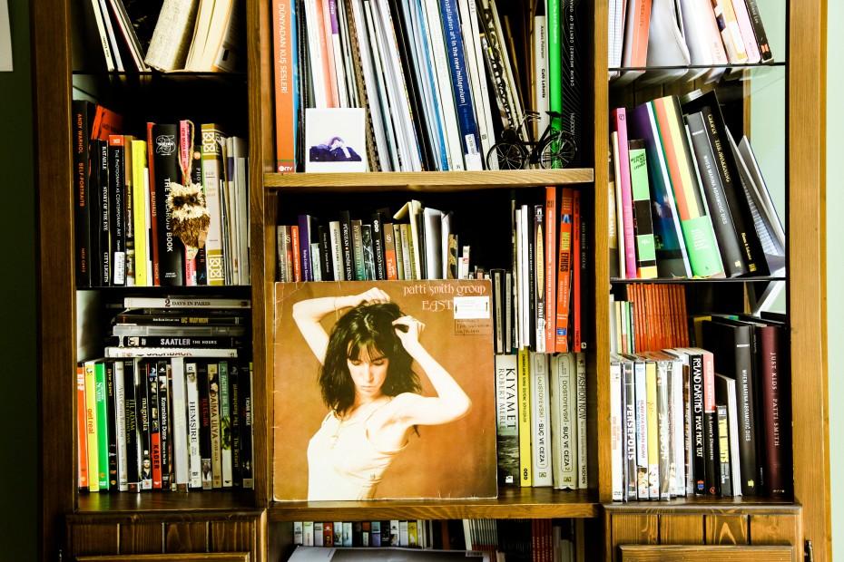 Freunde von Freunden — Zeynep Kayan — Artist, Apartment & Archive, Mebusevleri, Ankara — http://www.freundevonfreunden.com/interviews/zeynep-kayan/